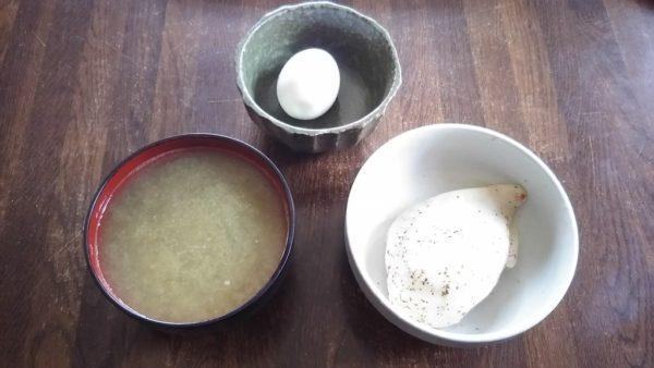 ダイエット昼食『サラダチキン+ゆで卵+味噌汁』